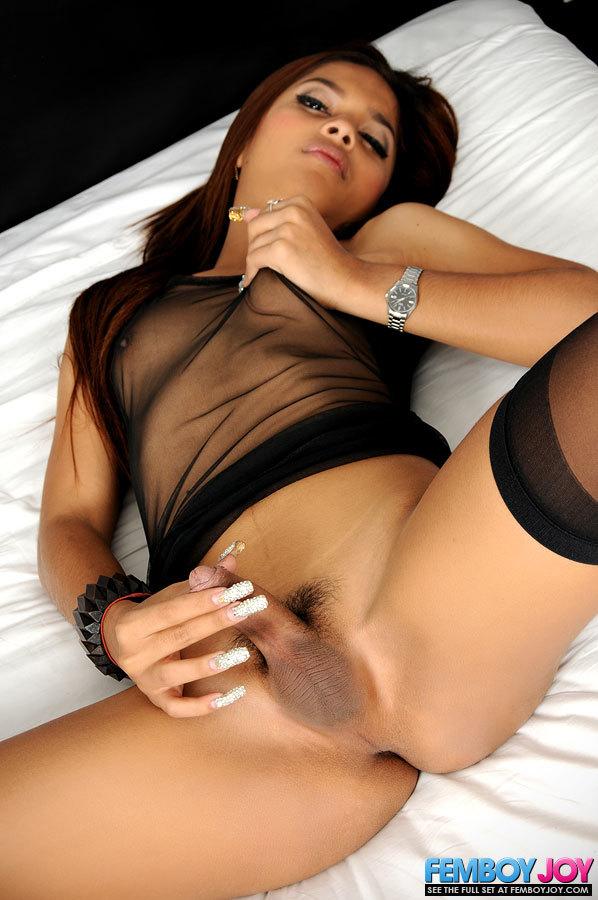 Asian TGirl From Cascade Bar Rub's Her Dick