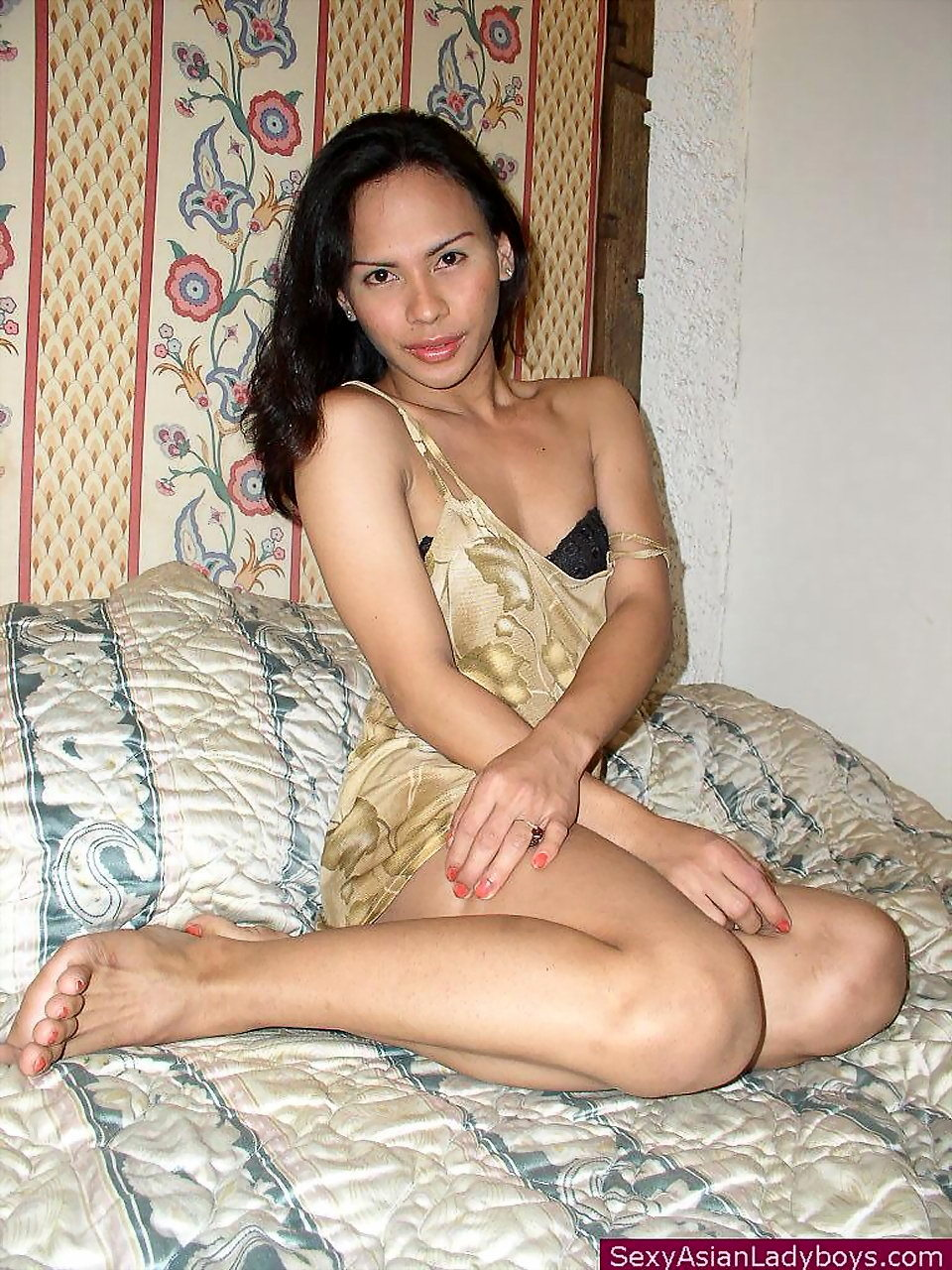Beautiful Thai Trannie Showing Her Neat Mouth Watering Package