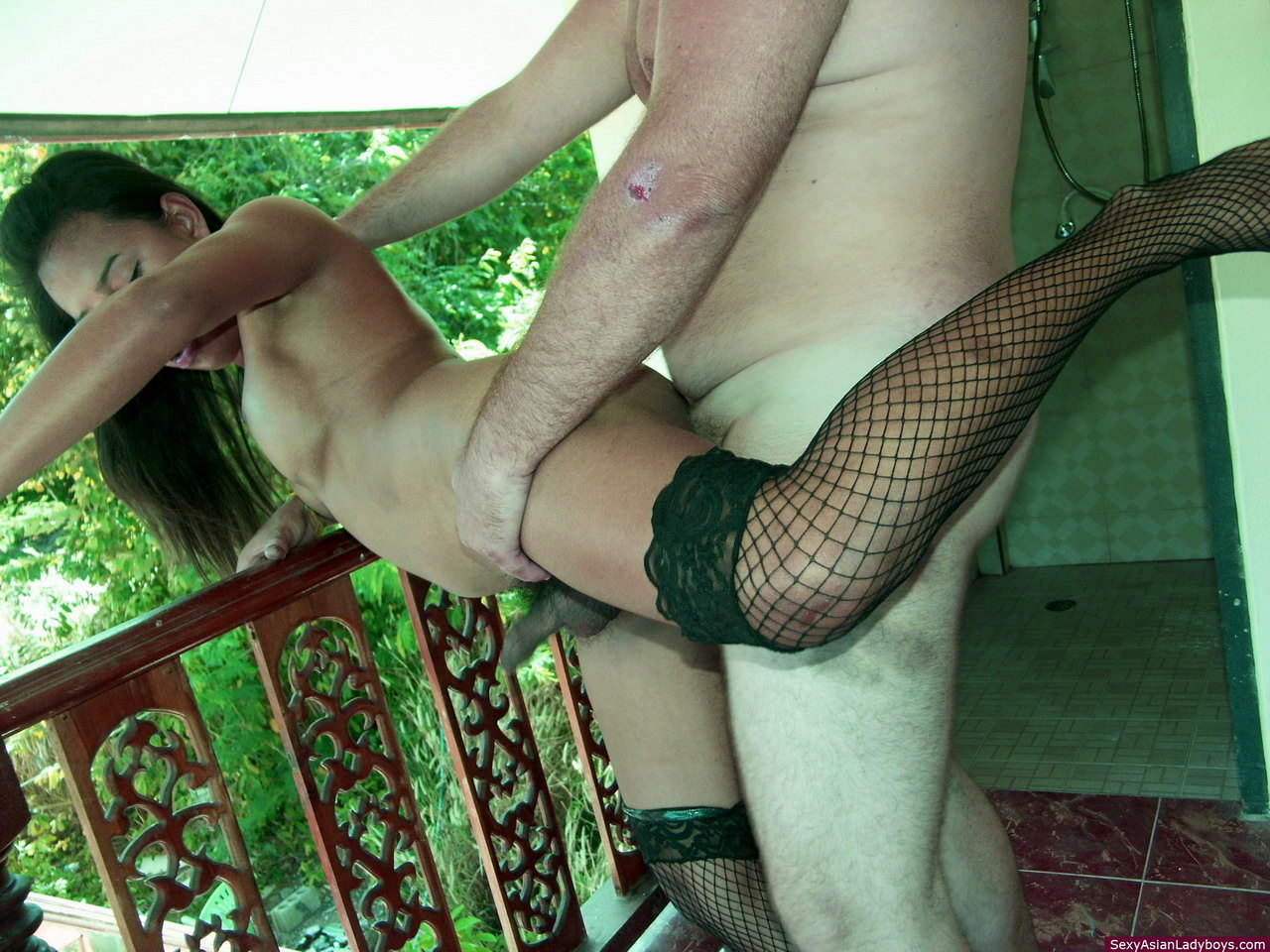 Bell Is Ass Ruined By A Massive White Penis Before Receiving A Big Load Of Cum On Her Face