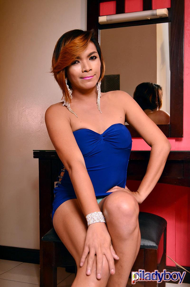 Criszty: Blue Skirt