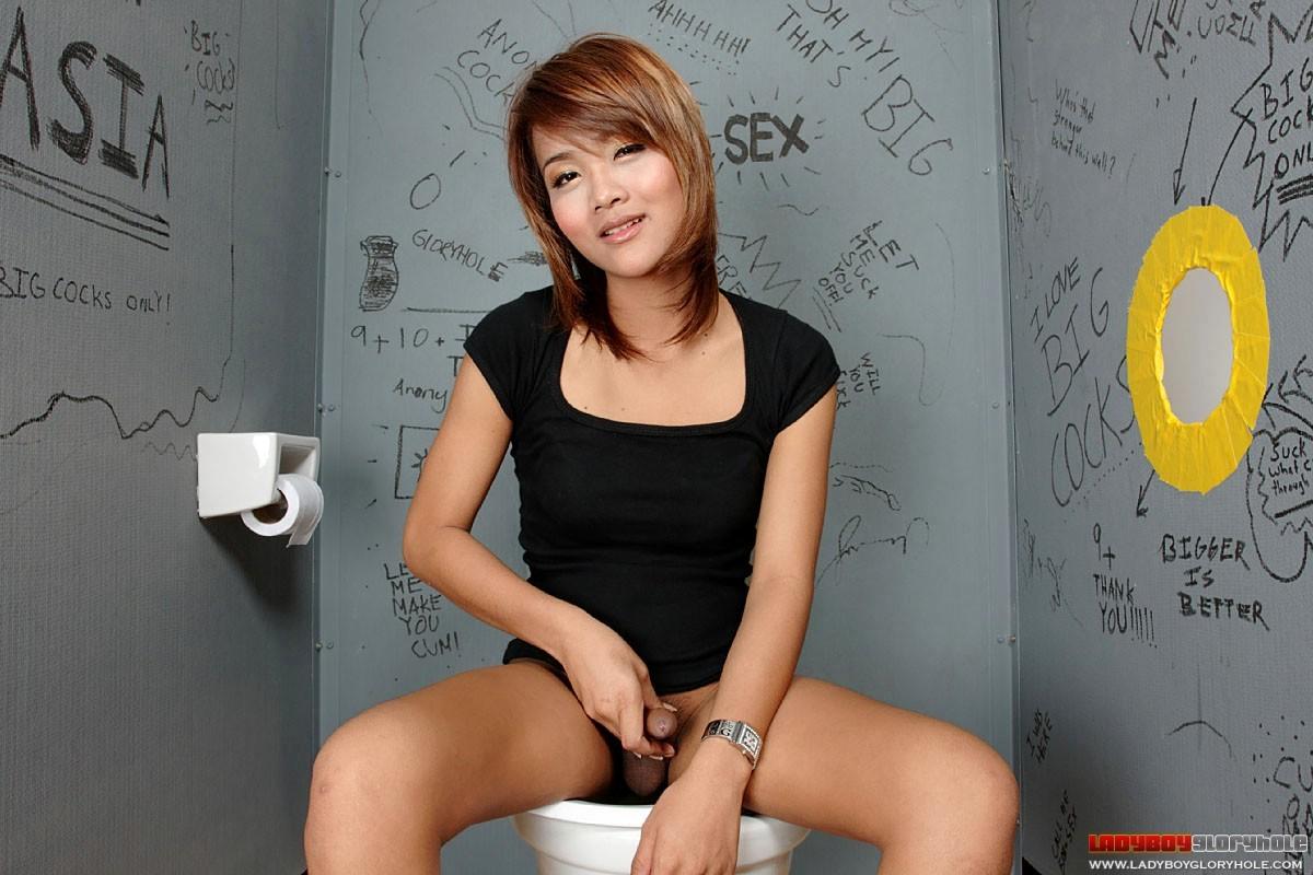 Cute Thai TGirl Jenny Demonstrates The Art Of Sex