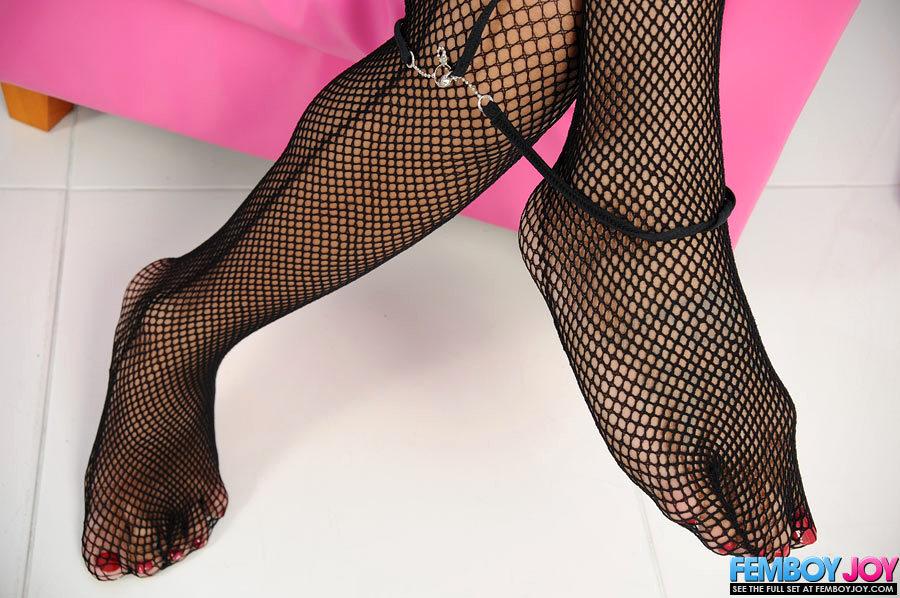 Dark Skinned T-Girl Teases Her Huge Juicy Lady Tool