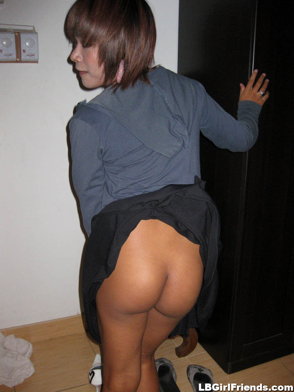 Girlish Transexual Deer Lifts Her Skirt For An Assfuck On The First Date