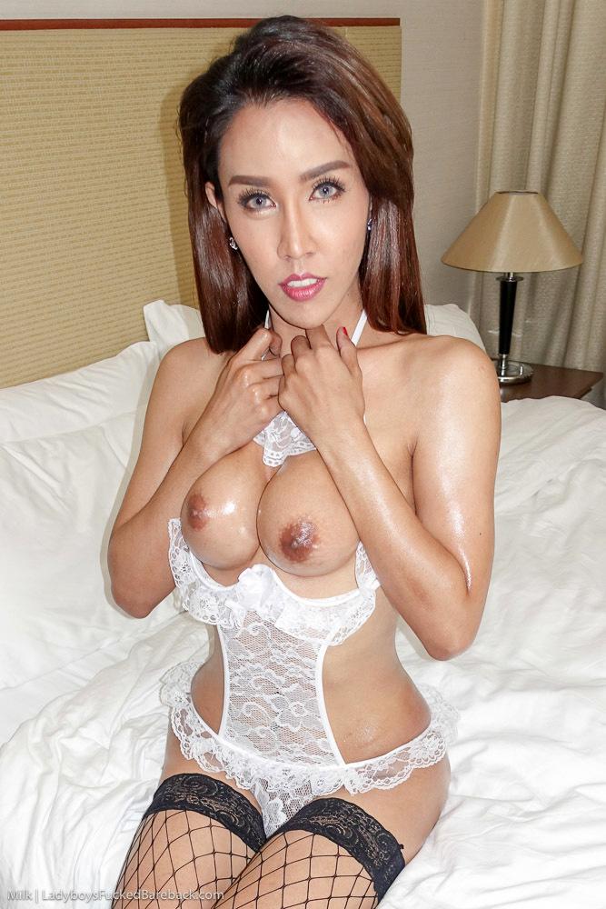 Hung Showgirl Gooey No Condom Jizz