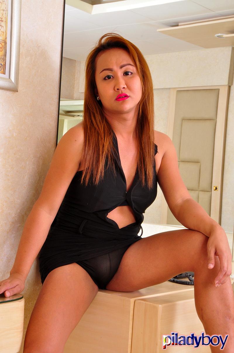 Joann: Black Swimsuit Babe