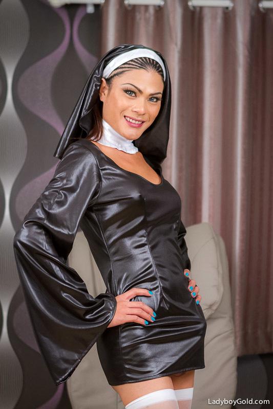 Nasty Nun Stroke's Penis