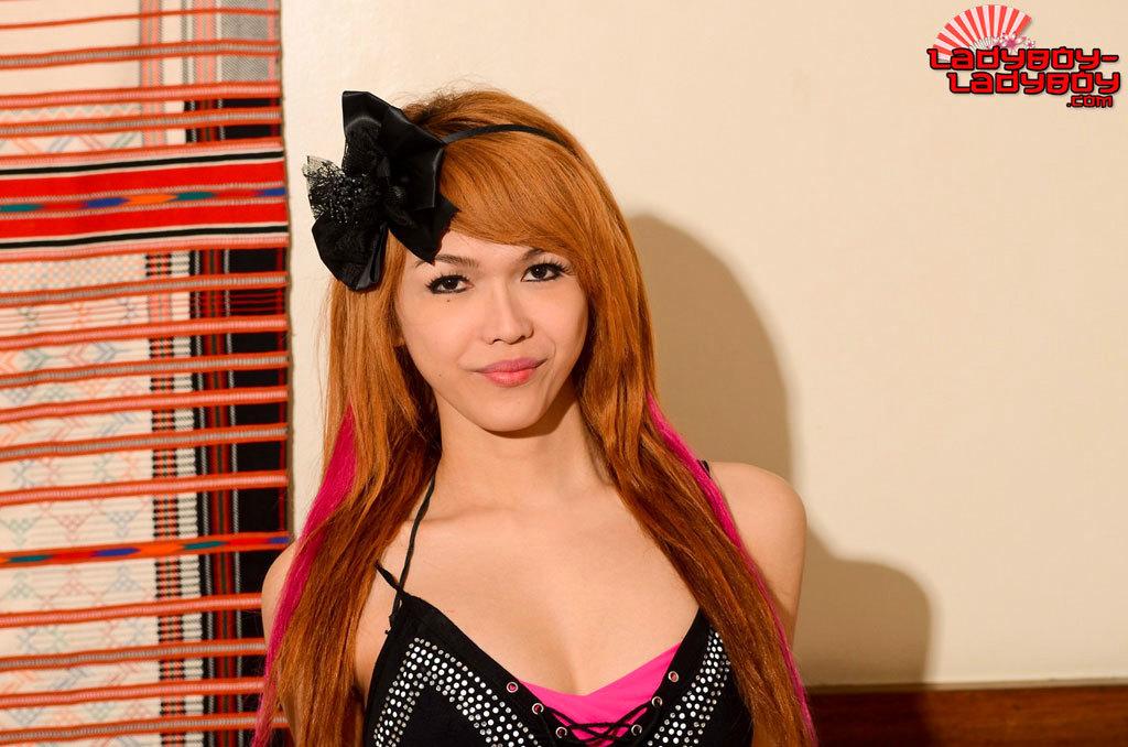 Nice Redhead T-Girl Strips And Rub's