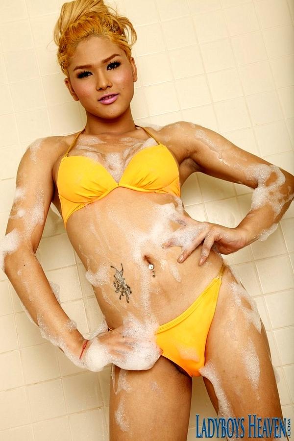 TGirl Solo Bath With Arty