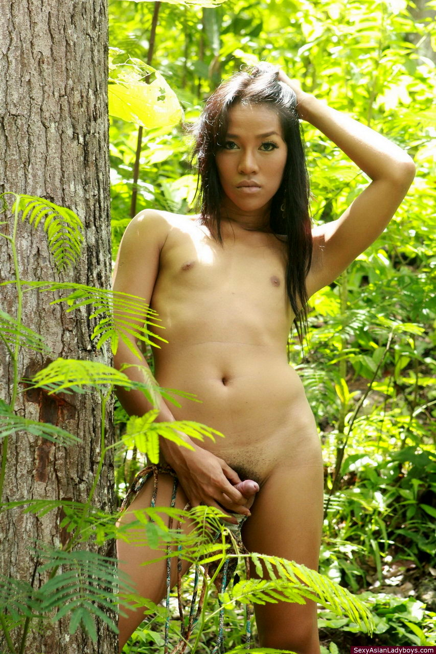 Very Spicy Filipina Femboy Flashing Her Raw Penis In A Tropical Forest